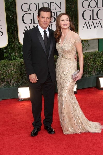 Josh Brolin and Diane Lane