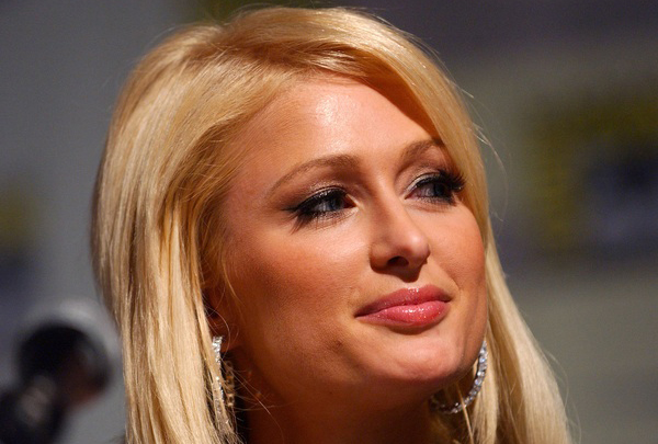 http://www.hollywoodnews.com/wp-content/uploads/2010/05/paris-hilton-prphotos-headshot-600x400.jpg