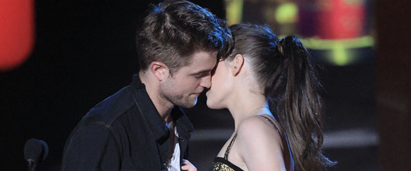 pictures of kristen stewart and robert pattinson kissing. But knowing how Kristen