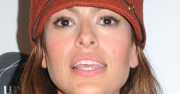 HollywoodNews.com: Actress Eva Mendes wants people to think of her as ...