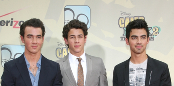 Jonas Brothers: Concert Tour Dates 2011 and video