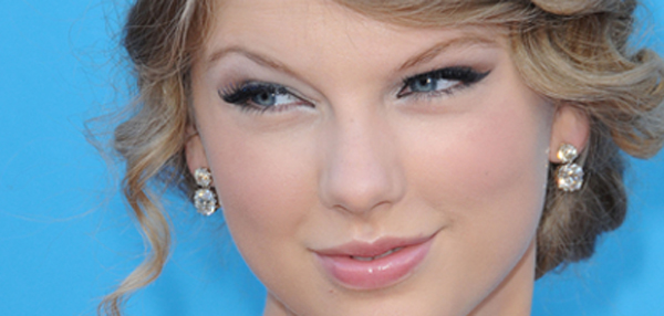 taylor swift and chord overstreet pics. HollywoodNews.com: Taylor
