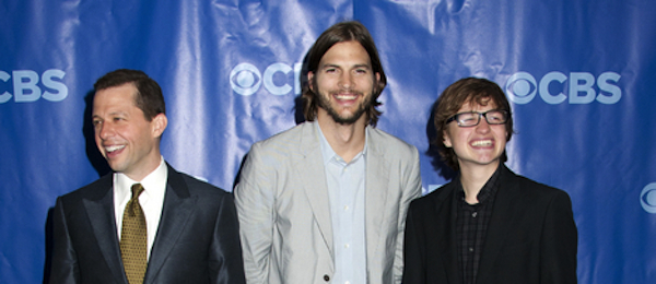 Hollywoodnews Com On Friday The First Episode Of The New Ninth Season Of Two And A Half Men Was Filmed And Ashton Kutcher Was There Looking Devine