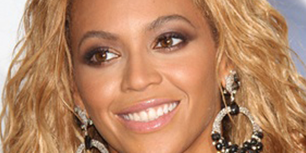 HollywoodNewscom Beyonce and JayZ kept their 2008 wedding so incredibly