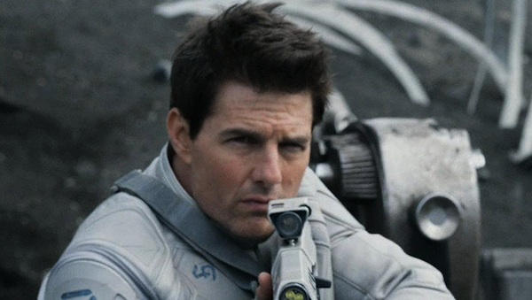 Tom Cruise Universal's Oblivion 600x337