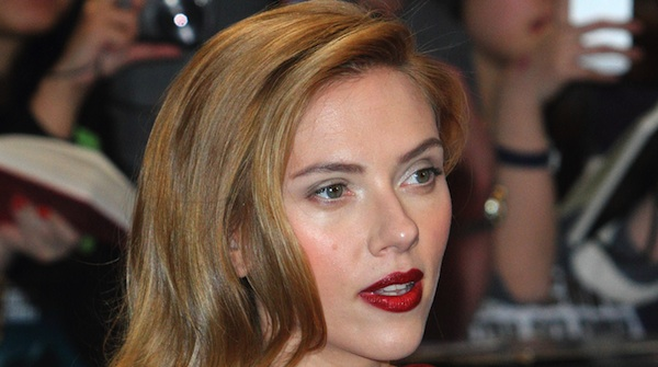 Scarlett Johansson red carpet 2014 600x335